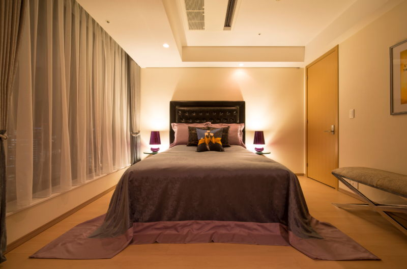 moody-bedroom